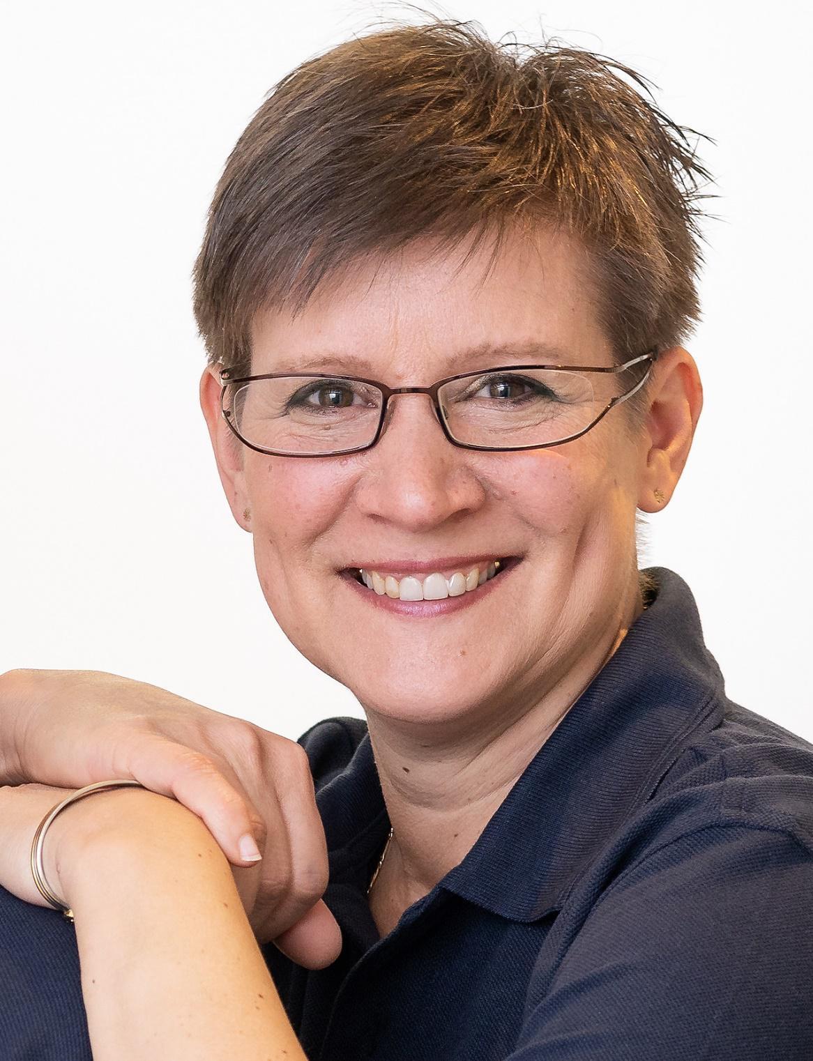 Portraitfoto von Frau Dr. Alexandra Bodmann-Peschke